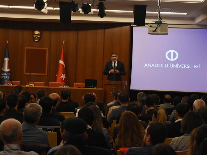 KOSGEB Başkanı Prof. Dr. Cevahir Uzkurt, Eskişehir'de Girişimcilerle Bir Araya Geldi
